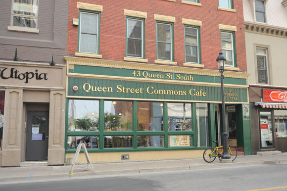 queen_street_commons_cafe_art